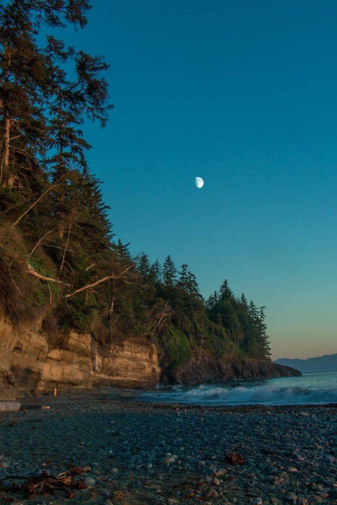 mystic beach sunset juan de fuca trail vancouver island