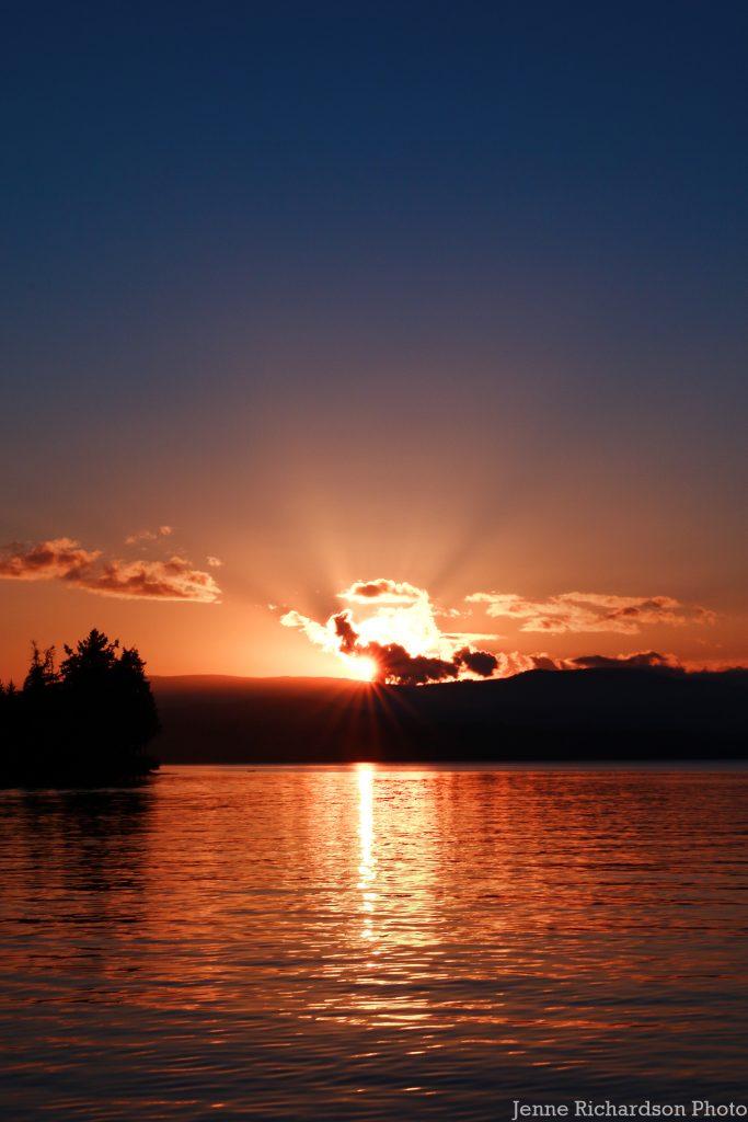 sunset brentwood bay bc sailing destination