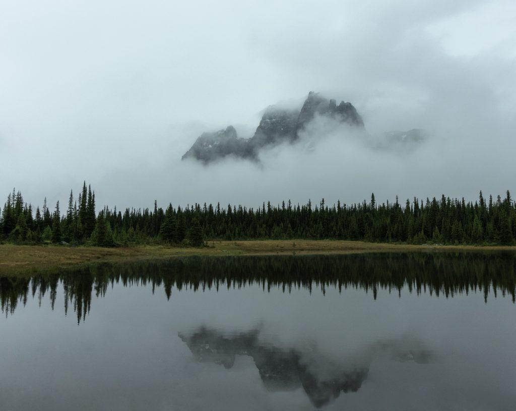 tonquin valley jasper alberta ramparts reflection