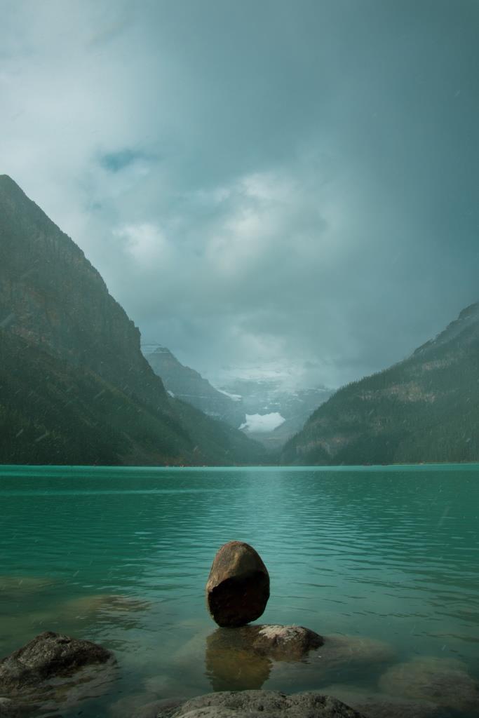 lake louise banff national park